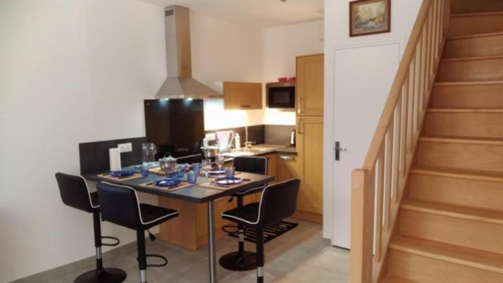 The kitchen area - Petit Crochet Home à Fresnay-sur-Sarthe
